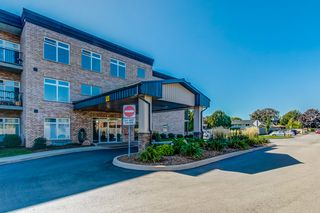 Photo 1: 106 4644 Pettit Avenue in Niagara Falls: House for sale : MLS®# H4065544