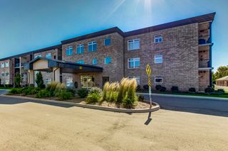 Photo 2: 106 4644 Pettit Avenue in Niagara Falls: House for sale : MLS®# H4065544