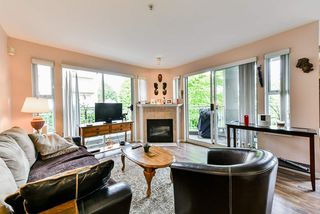 Photo 1: 303 519 TWELFTH Street in New Westminster: Uptown NW Condo for sale : MLS®# R2477967