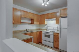 Photo 10: 212 290 Island Hwy in View Royal: VR View Royal Condo for sale : MLS®# 841841