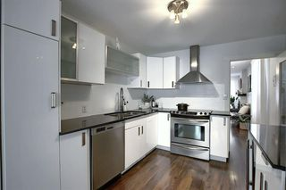 Photo 4: 2126 16 Street SW in Calgary: Bankview Detached for sale : MLS®# A1040401