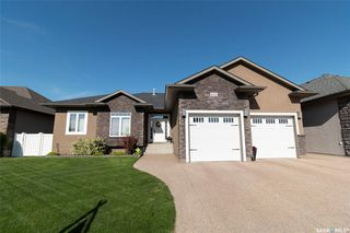 Photo 2: 430 Nicklaus Drive in Warman: Residential for sale : MLS®# SK829023