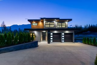 "Photo 35: 2918 HUCKLEBERRY Drive in Squamish: University Highlands House for sale in ""University Heights"" : MLS®# R2506841"