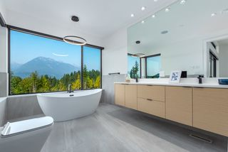 """Photo 8: 2918 HUCKLEBERRY Drive in Squamish: University Highlands House for sale in """"University Heights"""" : MLS®# R2506841"""