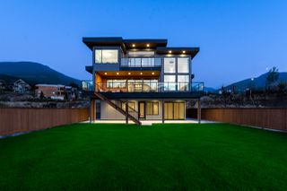 "Photo 34: 2918 HUCKLEBERRY Drive in Squamish: University Highlands House for sale in ""University Heights"" : MLS®# R2506841"