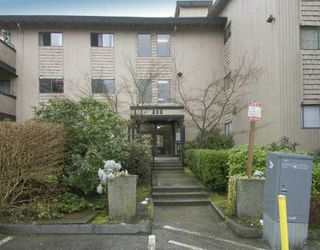 "Main Photo: 223 202 WESTHILL PL in Port Moody: College Park PM Condo for sale in ""WESTHILL PLACE"" : MLS®# V579175"