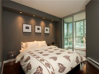 """Photo 4: 606 588 BROUGHTON Street in Vancouver: Coal Harbour Condo for sale in """"HARBOURSIDE PARK"""" (Vancouver West)  : MLS®# V929712"""