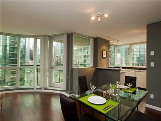 """Photo 3: 606 588 BROUGHTON Street in Vancouver: Coal Harbour Condo for sale in """"HARBOURSIDE PARK"""" (Vancouver West)  : MLS®# V929712"""