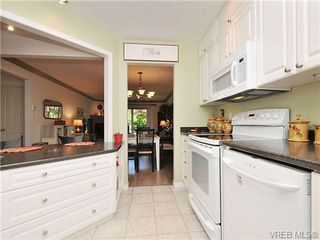 Photo 9: 7 126 Hallowell Rd in VICTORIA: VR Glentana Row/Townhouse for sale (View Royal)  : MLS®# 647851
