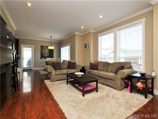 Photo 3: 1235 Clearwater Pl in VICTORIA: La Westhills House for sale (Langford)  : MLS®# 679781