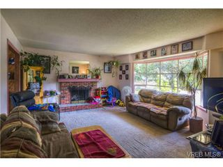 Photo 3: 3216 Willshire Dr in VICTORIA: La Walfred House for sale (Langford)  : MLS®# 679747
