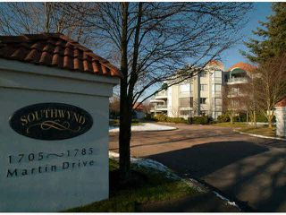 "Photo 1: 303 1705 MARTIN Drive in Surrey: Sunnyside Park Surrey Condo for sale in ""SOUTHWYND"" (South Surrey White Rock)  : MLS®# F1420126"