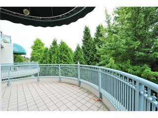"Photo 10: 303 1705 MARTIN Drive in Surrey: Sunnyside Park Surrey Condo for sale in ""SOUTHWYND"" (South Surrey White Rock)  : MLS®# F1420126"