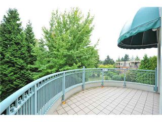 "Photo 11: 303 1705 MARTIN Drive in Surrey: Sunnyside Park Surrey Condo for sale in ""SOUTHWYND"" (South Surrey White Rock)  : MLS®# F1420126"