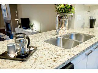 """Photo 8: 92 2501 161A Street in Surrey: Grandview Surrey Townhouse for sale in """"HIGHLAND PARK"""" (South Surrey White Rock)  : MLS®# F1421284"""