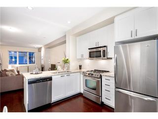 """Photo 6: 92 2501 161A Street in Surrey: Grandview Surrey Townhouse for sale in """"HIGHLAND PARK"""" (South Surrey White Rock)  : MLS®# F1421284"""