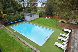 Photo 18: 5873 180 STREET in Surrey: Cloverdale BC House for sale (Cloverdale)  : MLS®# R2007445