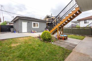 Photo 19: 2441 E 4TH AVENUE in Vancouver: Renfrew VE House for sale (Vancouver East)  : MLS®# R2133270