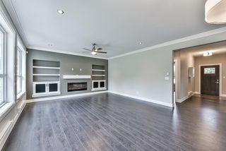 Photo 3: 3354 208 STREET in Langley: Brookswood Langley House for sale : MLS®# R2040355