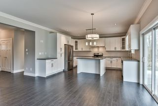 Photo 4: 3354 208 STREET in Langley: Brookswood Langley House for sale : MLS®# R2040355