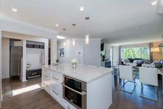 Photo 8: 305 15338 18 AVENUE in Surrey: King George Corridor Condo for sale (South Surrey White Rock)  : MLS®# R2288918