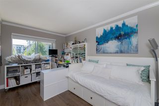 Photo 16: 305 15338 18 AVENUE in Surrey: King George Corridor Condo for sale (South Surrey White Rock)  : MLS®# R2288918