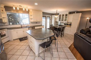 Photo 10: 515 WOODPARK CR SW in Calgary: Woodlands House for sale : MLS®# C4209473