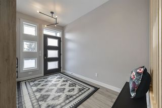 Photo 3: 7574B 110 Avenue NW in Edmonton: Zone 09 House for sale : MLS®# E4183526