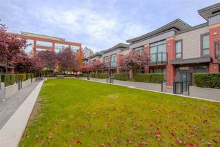 Main Photo: 9 130 BREW Street in Port Moody: Port Moody Centre Townhouse for sale : MLS®# R2433455