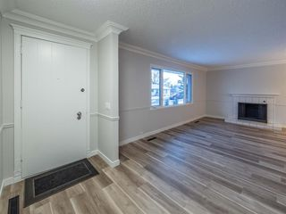 Photo 6: 1052 Thorneycroft drive NW in Calgary: Thorncliffe Detached for sale : MLS®# A1055288