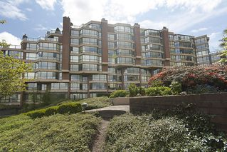"""Photo 2: 202 1490 PENNYFARTHING Drive in Vancouver: False Creek Condo for sale in """"HARBOUR COVE"""" (Vancouver West)  : MLS®# V977927"""