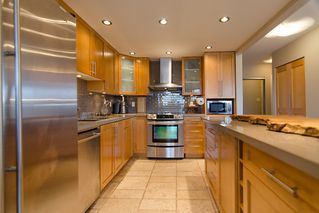 """Photo 18: 202 1490 PENNYFARTHING Drive in Vancouver: False Creek Condo for sale in """"HARBOUR COVE"""" (Vancouver West)  : MLS®# V977927"""