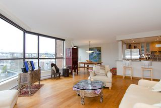 """Photo 11: 202 1490 PENNYFARTHING Drive in Vancouver: False Creek Condo for sale in """"HARBOUR COVE"""" (Vancouver West)  : MLS®# V977927"""