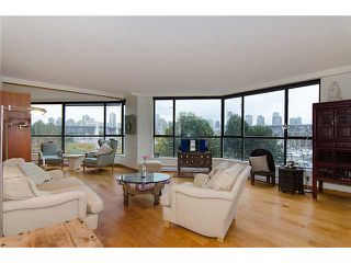 """Photo 31: 202 1490 PENNYFARTHING Drive in Vancouver: False Creek Condo for sale in """"HARBOUR COVE"""" (Vancouver West)  : MLS®# V977927"""