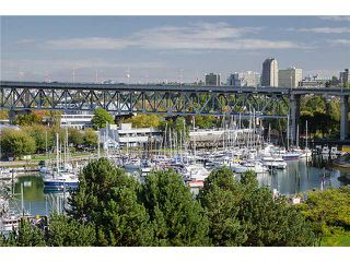 """Photo 3: 202 1490 PENNYFARTHING Drive in Vancouver: False Creek Condo for sale in """"HARBOUR COVE"""" (Vancouver West)  : MLS®# V977927"""