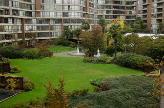 """Photo 30: 202 1490 PENNYFARTHING Drive in Vancouver: False Creek Condo for sale in """"HARBOUR COVE"""" (Vancouver West)  : MLS®# V977927"""