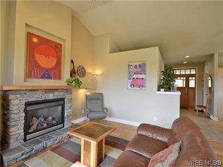 Photo 4: 513 Caselton Pl in VICTORIA: SW Royal Oak Single Family Detached for sale (Saanich West)  : MLS®# 636074