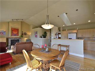 Photo 2: 513 Caselton Pl in VICTORIA: SW Royal Oak Single Family Detached for sale (Saanich West)  : MLS®# 636074