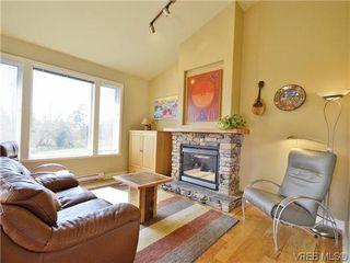 Photo 3: 513 Caselton Pl in VICTORIA: SW Royal Oak Single Family Detached for sale (Saanich West)  : MLS®# 636074