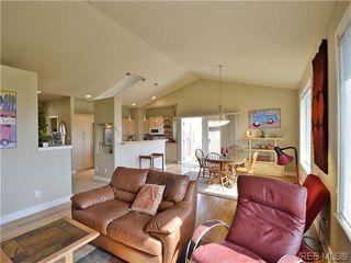 Photo 5: 513 Caselton Pl in VICTORIA: SW Royal Oak Single Family Detached for sale (Saanich West)  : MLS®# 636074
