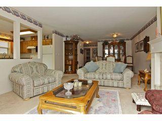 "Photo 5: 19 8889 212 Street in LANGLEY: Walnut Grove Townhouse for sale in ""GARDEN TERRACE"" (Langley)  : MLS®# F1313371"