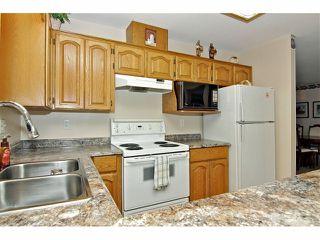 "Photo 8: 19 8889 212 Street in LANGLEY: Walnut Grove Townhouse for sale in ""GARDEN TERRACE"" (Langley)  : MLS®# F1313371"