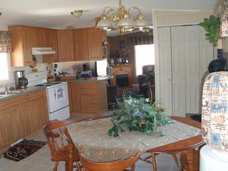 Photo 5: 402 4395 E Trans Canada Hwy E in : Dallas Manufactured Home for sale (Kamloops)  : MLS®# 121513