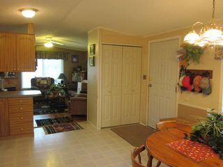 Photo 6: 402 4395 E Trans Canada Hwy E in : Dallas Manufactured Home for sale (Kamloops)  : MLS®# 121513