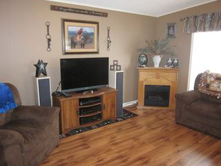 Photo 7: 402 4395 E Trans Canada Hwy E in : Dallas Manufactured Home for sale (Kamloops)  : MLS®# 121513