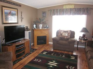 Photo 8: 402 4395 E Trans Canada Hwy E in : Dallas Manufactured Home for sale (Kamloops)  : MLS®# 121513