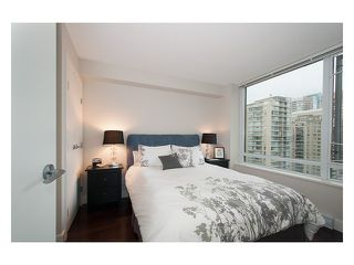 Photo 13: # 1807 1088 RICHARDS ST in Vancouver: Yaletown Condo for sale (Vancouver West)  : MLS®# V1055333