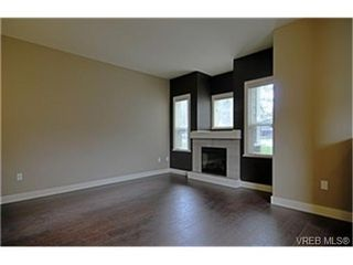 Photo 2:  in VICTORIA: La Langford Proper Row/Townhouse for sale (Langford)  : MLS®# 454765