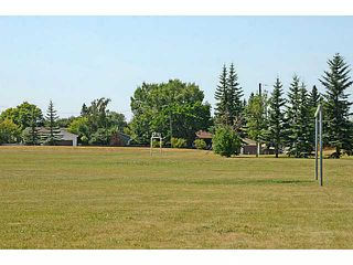Photo 13: 935 MARCOMBE Drive NE in CALGARY: Marlborough Residential Attached for sale (Calgary)  : MLS®# C3631032