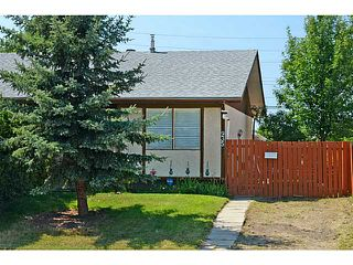 Photo 1: 935 MARCOMBE Drive NE in CALGARY: Marlborough Residential Attached for sale (Calgary)  : MLS®# C3631032